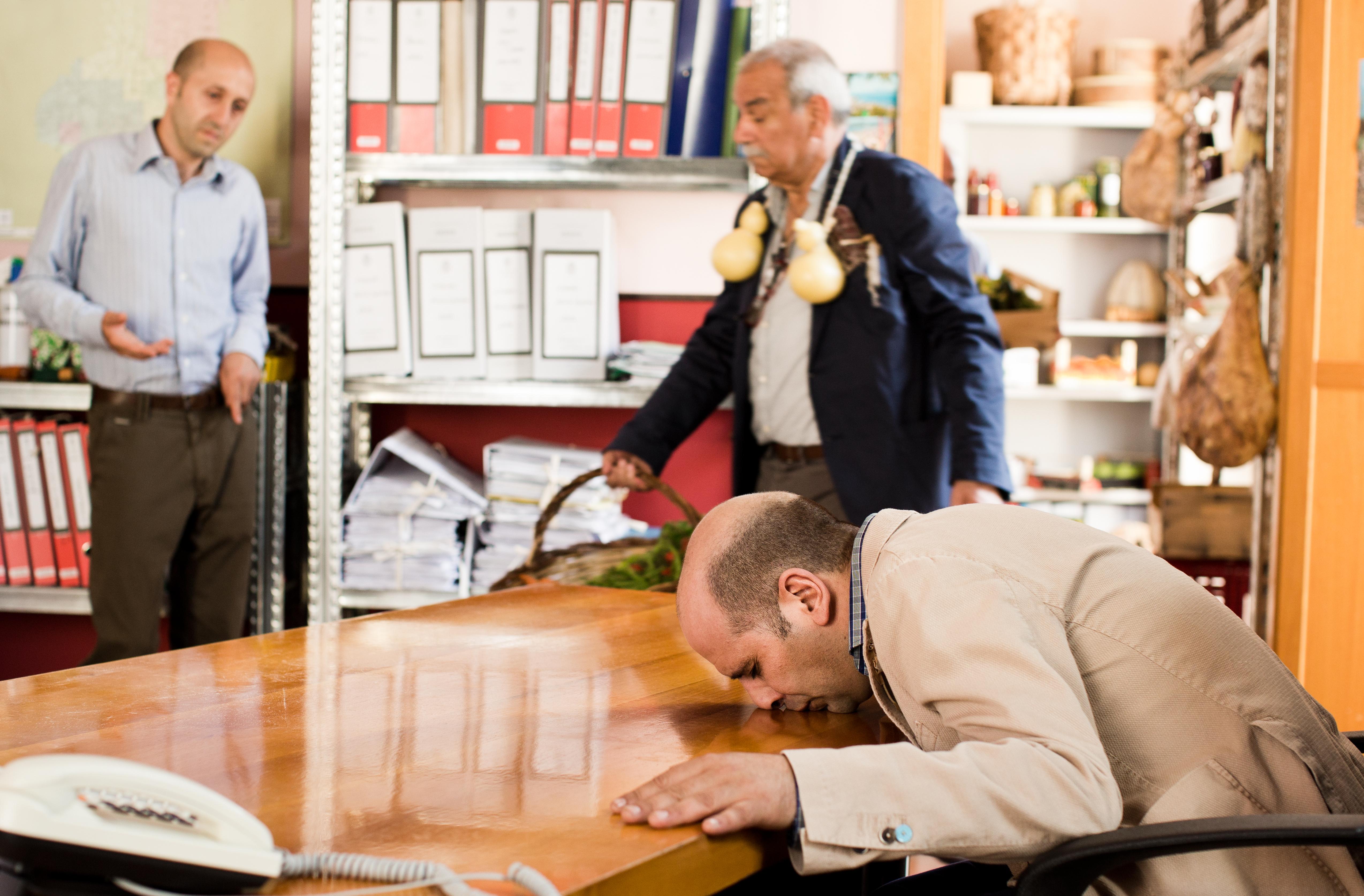 Zalone bacia scrivania caciotte@MaurizioRaspante
