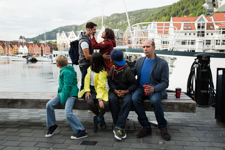 Zalone con famiglia in Norvegia + Giovanardi incontra l'ex @MaurizioRaspante