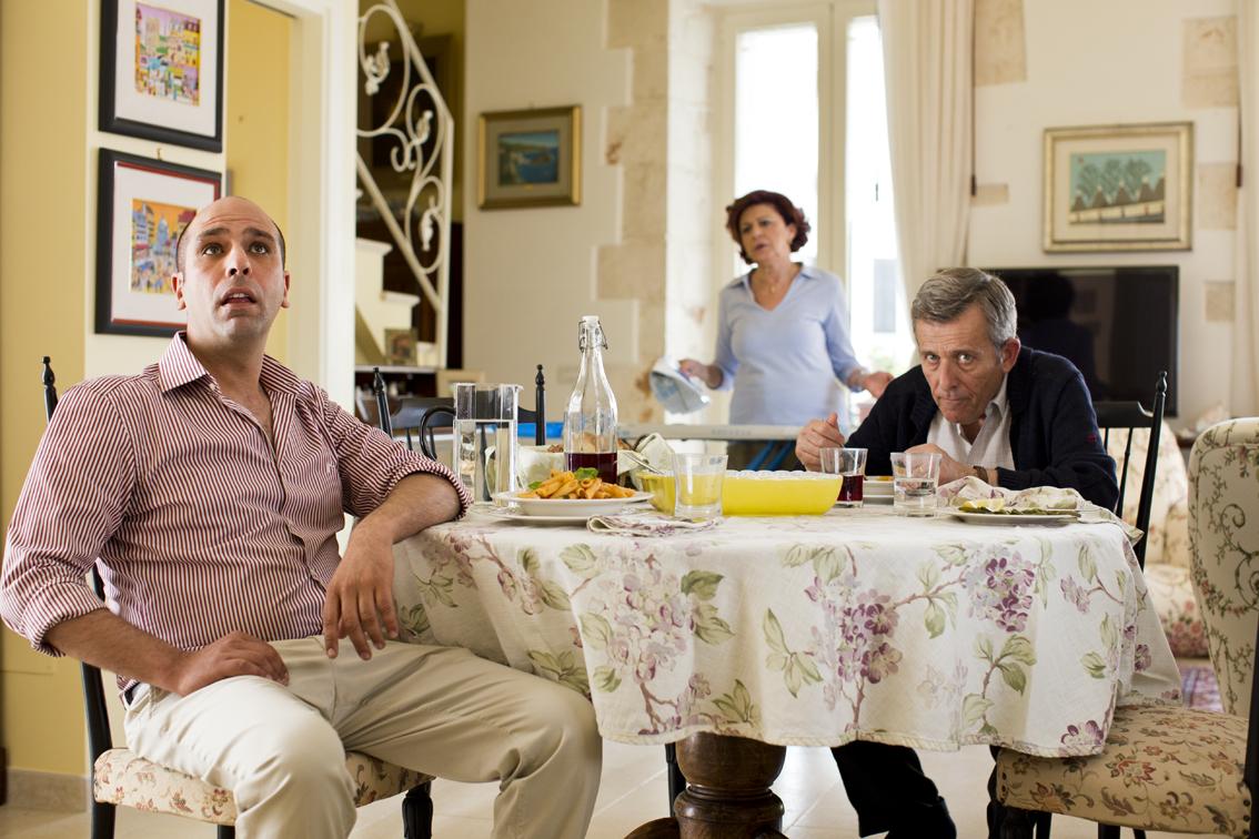 Zalone con genitori@MaurizioRaspante